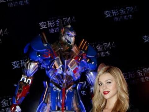 """La nueva protagonista de """"Transformers"""" rinde tributo al pr&oa..."""