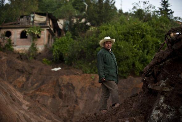 Los primeros grupos de rescate llegaron a Santa María Tlahuitoltepec más...