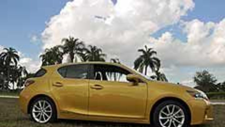 Lexus CT200H 2011 1f37e41e578f4d8098659dc80cee6a5f.jpg
