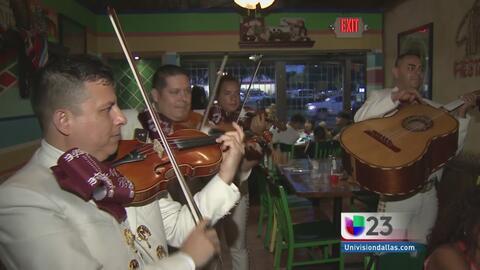 Fans en Dallas recuerdan al Divo de Juárez