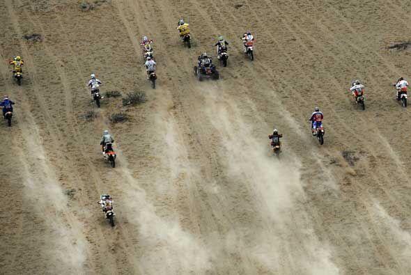El desierto parecía desfile de motocicletas.