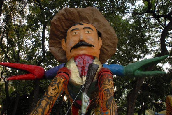 Quien dio origen a los alebrijes es Pedro Linares López. Al respecto de...