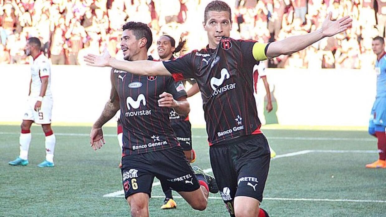 Pablo Antonio Gabas le dio el triunfo al Alajuelense