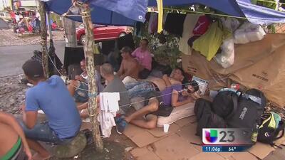 Cubanos varados todavía no saldrán de Costa Rica