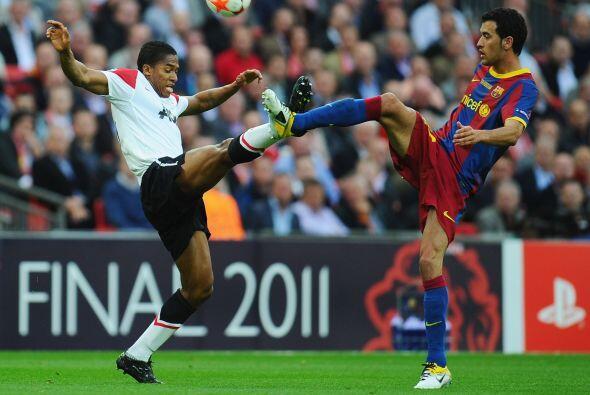 El ecuatoriano Antonio Valencia puso pierna fuerte por todos los sectore...