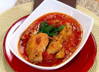 Estofado de pollo con pimientos: Los pimientos le darán el sabor perfect...