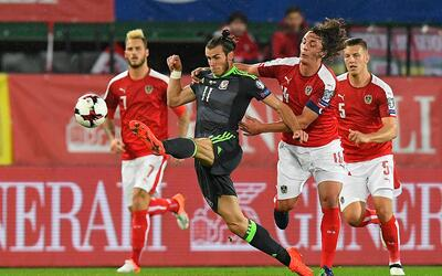 Austria empató 2-2 con Gales