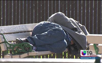 Autoridades de Sacramento buscan proteger a los indigentes en época de frío