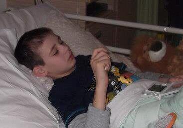 En vez de rendirse, Kieran luchó contra su enfermedad y logró acabar con...