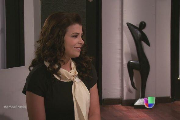 Miriam se despide de Mariano, le cuesta trabajo dejar a su amigo atr&aac...