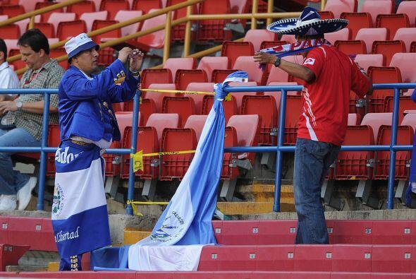 La entrada fue muy pobre para ver el partido que abría la jornada.