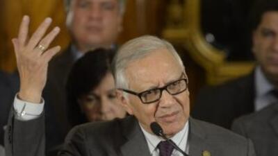 Alejandro Maldonado pasa de vicepresidente a líder del país, en un momen...
