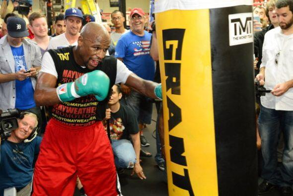 Floyd Mayweather Jr. se vio fuerte y está listo para enfrentar a...