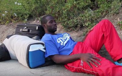 Cubano acampa por una oportunidad con los Dodgers