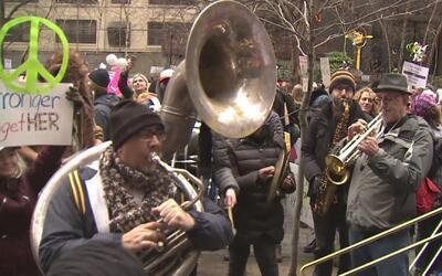 Un mar de gente inundó la ciudad de Nueva York en la marcha de las mujeres