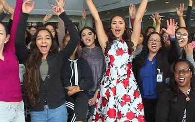 Vestidos de 'prom' para todas: Las estudiantes nunca imaginaron esta gra...