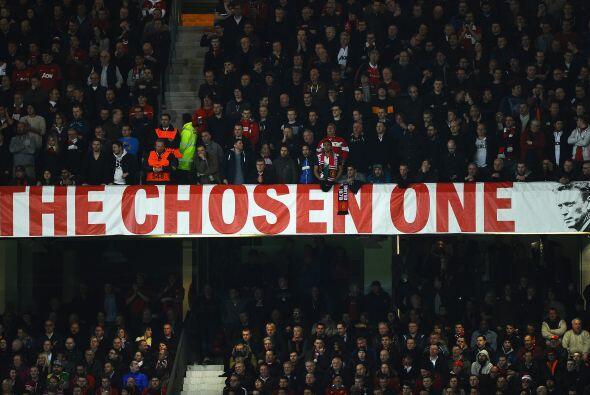 No faltaron las pancartas de quienes siguen creyendo en el entrenador Da...