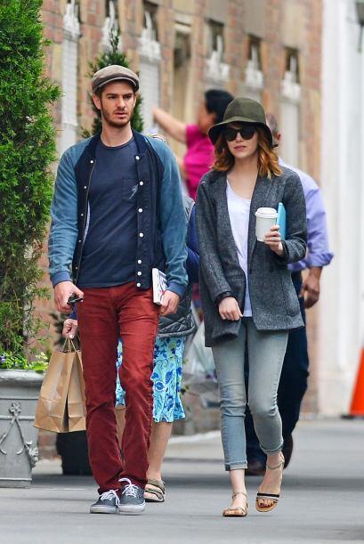 Andrew y Emma, también tratan de pasar desapercibidos para llevar...