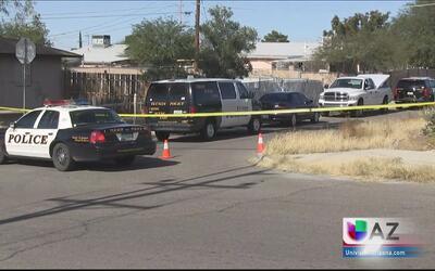Hallan cuerpo de hombre ardiendo en llamas al este de Tucson