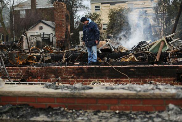 """Noviembre 2- Los fallecidos por la tormenta """"Sandy"""" en Estados..."""