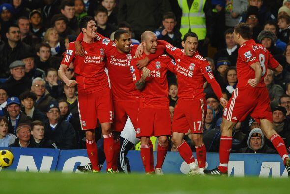 Y el portugués Fernando Meireles fue la figura tras marcar el gol de la...