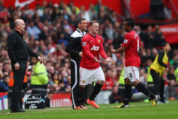 Wayne Rooney ingresó al campo como medida para que el fútbol de los 'Red...