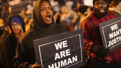 Continúan protestas en Saint Louis por muerte de joven afromaericano