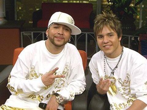 Abel y Jo Joe, cantantes de 'Los Súper Reyes' acompañaron...