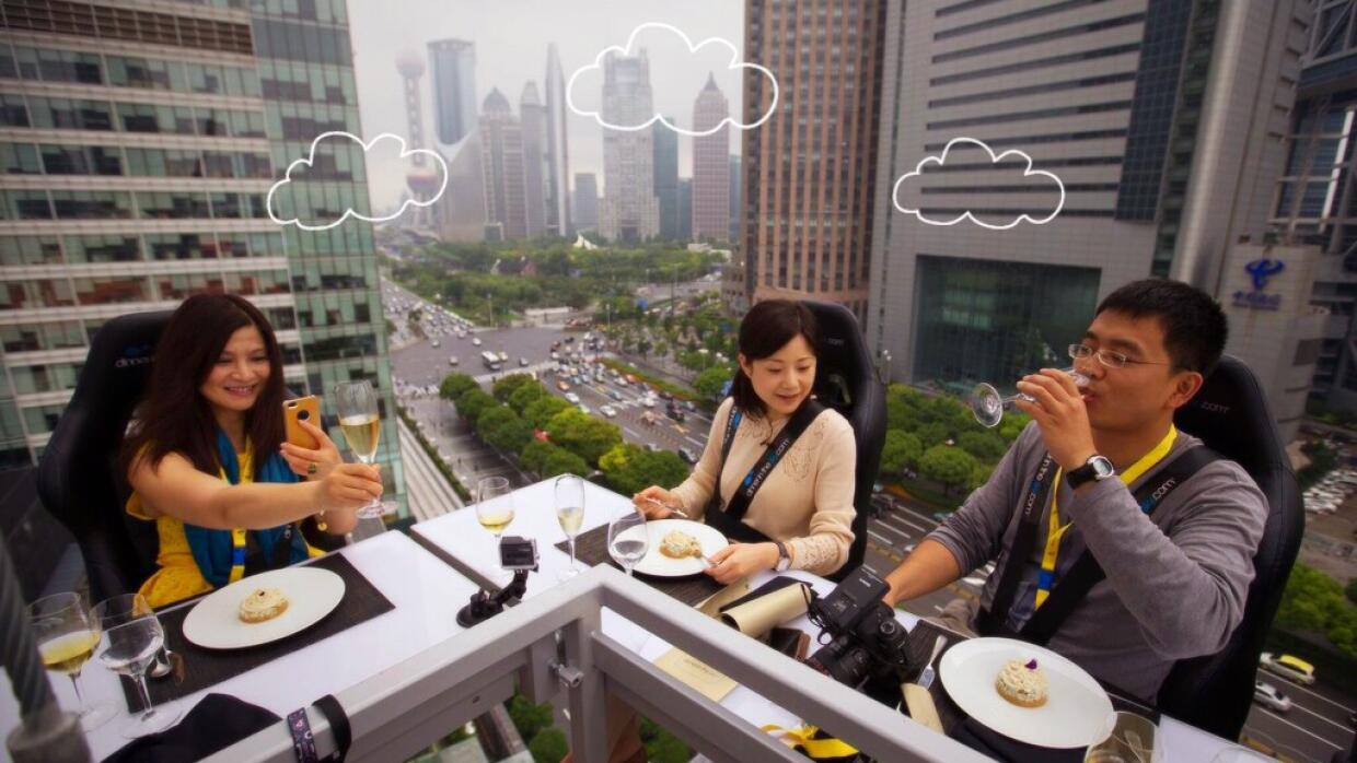 Dinner in the Sky: una comida a 45 metros de altura