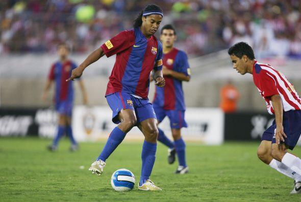 El tercer cotejo ante el Guadalajara se daría cuando Ronaldinho ya jugab...