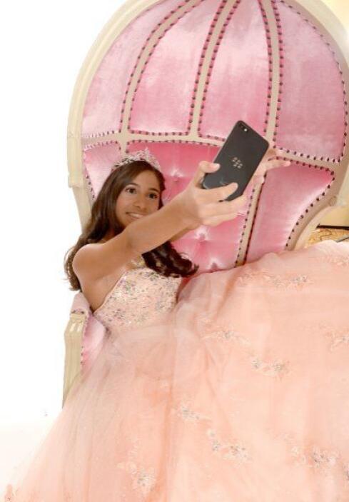Este fue el sueño hecho realidad para cualquier niña. Alyssa Linares pue...
