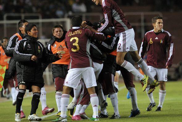 José Reyez abrió el marcador para el elenco vinotinto a los veinte minut...