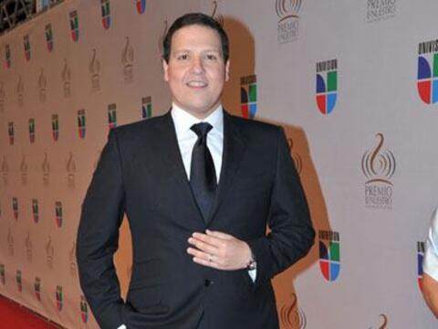 Como un verdadero 'dandy', Raúl González nos deleitó con un traje negro...