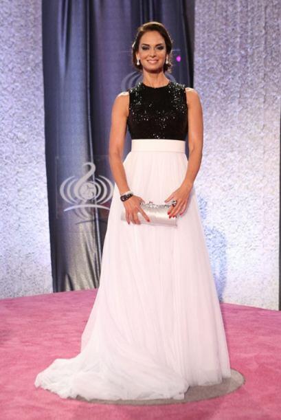 Lupita Jones es una de las presentadoras de la noche.