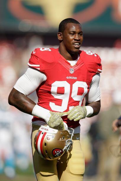 Aldon Smith, jugador de los San Francisco 49'ers, fue detenido en el aer...