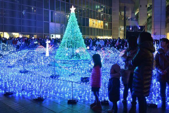 Seguro los japoneses disfrutan de una feliz navidad.
