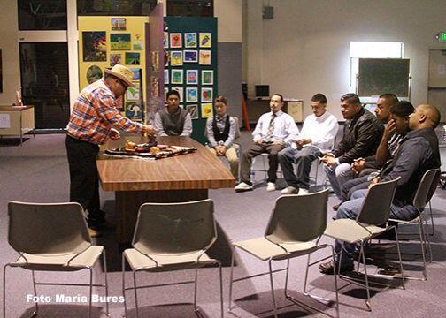En la comunidad de Salinas, California, un grupo de jóvenes han encontra...