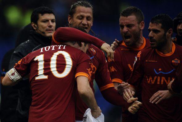La erupción de júbilo no se hizo esperar. ¡Roma le había ganado el Derby...