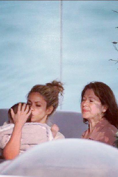 Aunque a Piqué no le fue muy bien en las canchas, Shakira y el pe...