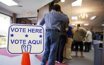 La ley obligaba a los votantes a mostrar una identificación con f...