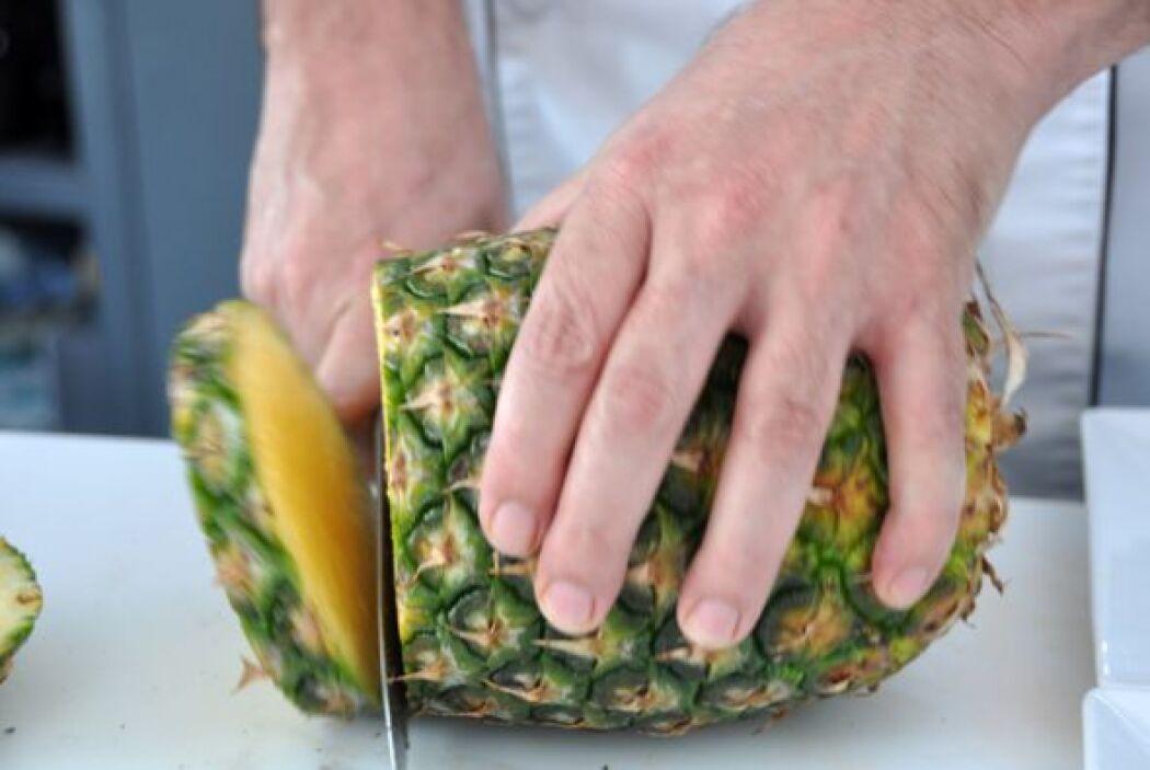 La piña está en la lista de frutas ácidas. Acuérdate de no mezclar fruta...