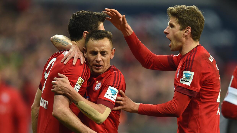 Lewandowsky , Rafinha y Muller celebran