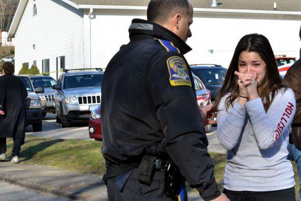 Fuertemente armado, un hombre de 20 años ingresó al establecimiento vest...