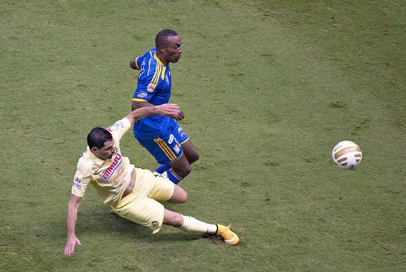 12.- Pablo Aguilar: El paraguayo supo cubrir a sus rivales en campo abie...