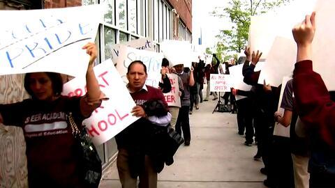 Estudiantes y sus padres piden a la concejal Emma Mitts que apruebe la a...