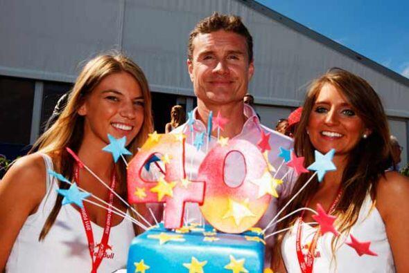 Estas chicas australianas celebraron el cumpleaños 40 del ex pilo...
