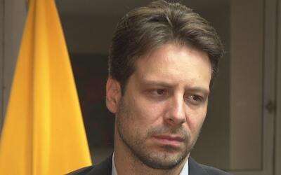 Canciller de Ecuador da mensaje a inmigrantes del país de América del Su...