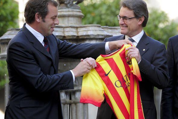 Sandro Rosell aseguró que este nuevo uniforme es bueno para Espa&...
