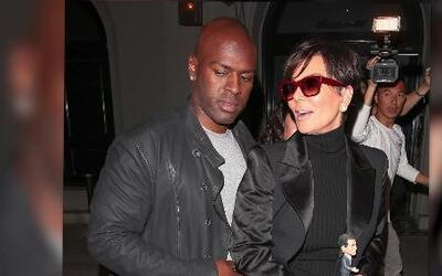 Kris Jenner cena con su nuevo chico