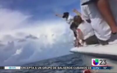 Lanzan las cenizas de José Fernández al mar a una semana de su muerte